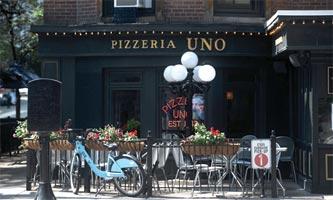 Pizzeria Uno Storefront